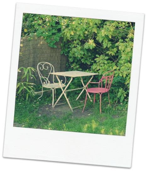 Un mobilier de jardin coloré pour un extérieur agréable
